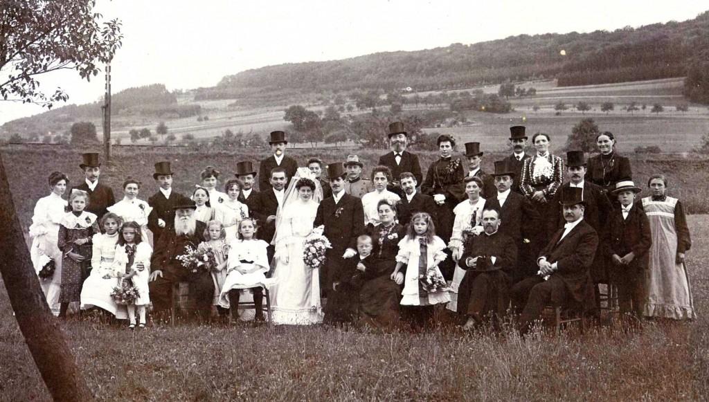 Hochzeitsgesellschaft 1905
